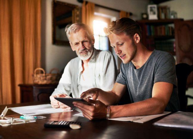 BAY Familienversicherung IStock