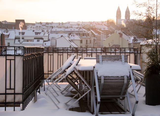 Im Winter den Balkon gestalten