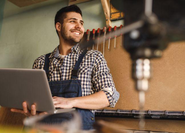 Diebayerische Ratgeber Cyberversicherung KMU